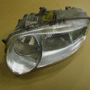 147 passenger headlight 2001-2205