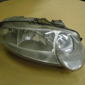 Alfa romeo gt 3 2 v6 breaking for spares italia auto parts - Alfa Romeo 147 Drivers Headlight 2001 2005 Italia Auto Parts